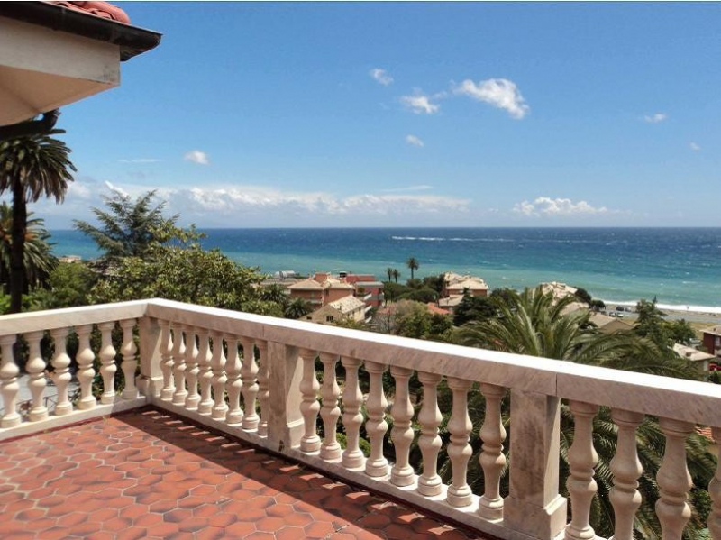 Holiday House VILLA DIVIN REDENTORE in Cogoleto (Genoa)